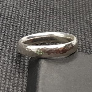 4mm Oval-Shaped Ring, Light Hammered Effect 1